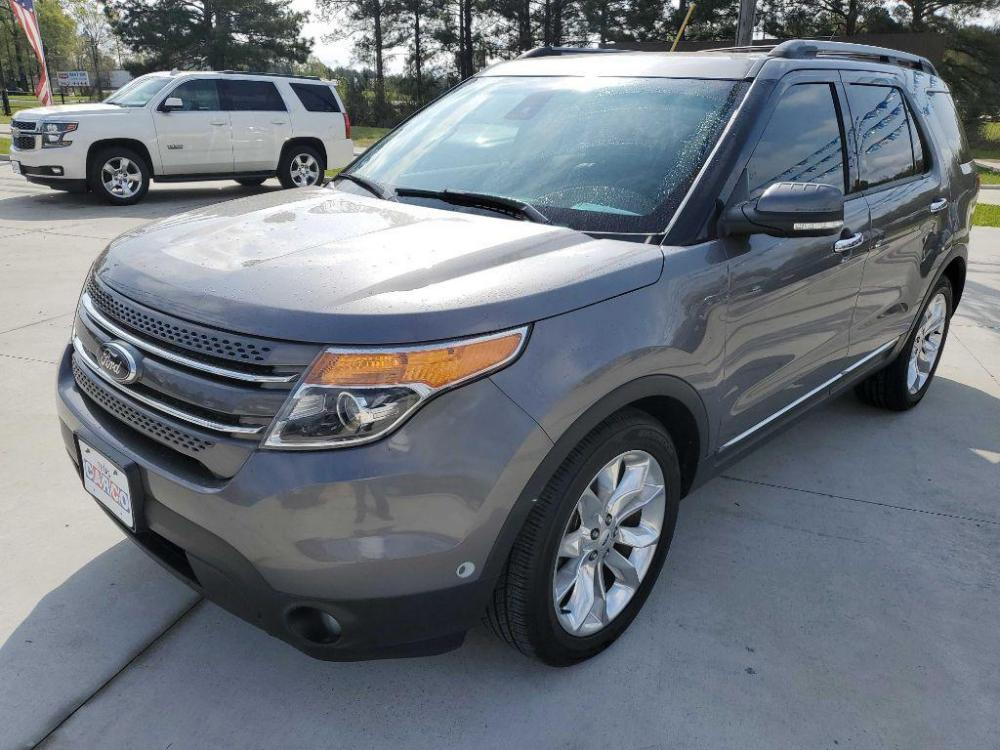2013 Gray FORD EXPLORER LIMITED (1FM5K7F88DG) with an 3.5L engine, Automatic transmission, located at 3553 US Hwy 190 W., Livingston, TX, 77351, (936) 967-8141, 30.812162, -95.077309 - Photo #0