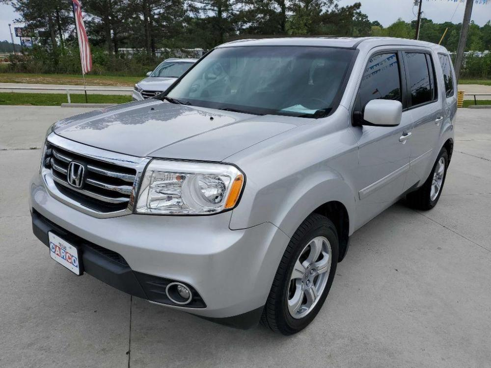 2015 Silver HONDA PILOT EXL (5FNYF3H55FB) with an 3.5L engine, Automatic transmission, located at 3553 US Hwy 190 W., Livingston, TX, 77351, (936) 967-8141, 30.812162, -95.077309 - Photo #0