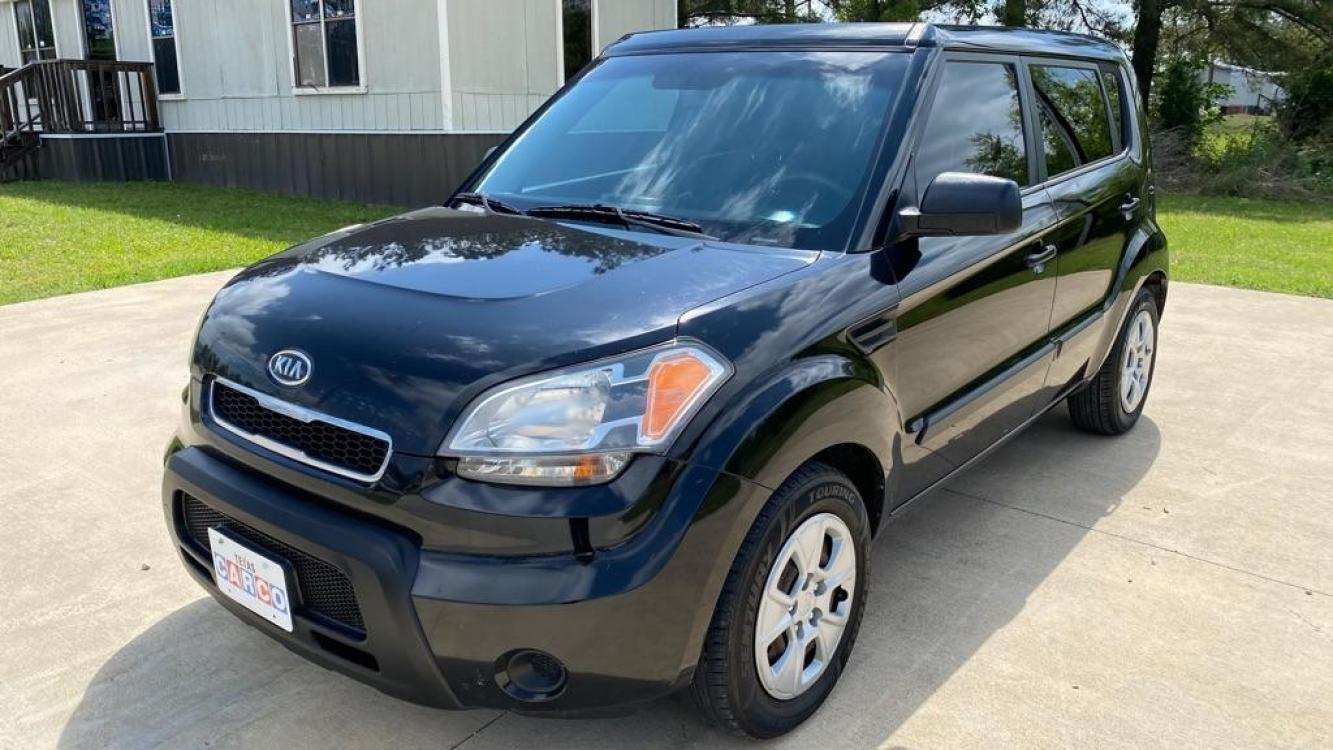 2011 Black KIA SOUL (KNDJT2A12B7) with an 1.6L engine, 5-Speed Manual transmission, located at 3553 US Hwy 190 W., Livingston, TX, 77351, (936) 967-8141, 30.812162, -95.077309 - Photo #0