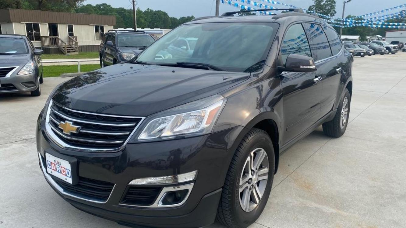 2016 Gray CHEVROLET TRAVERSE LT (1GNKRHKD1GJ) with an 3.6L engine, Automatic transmission, located at 3553 US Hwy 190 W., Livingston, TX, 77351, (936) 967-8141, 30.812162, -95.077309 - Photo #0
